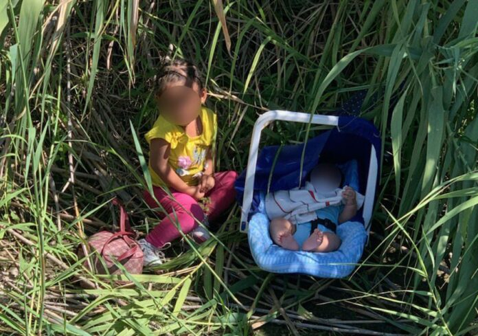US Border Agent found A toddler & A Baby Abandoned along the Rio Grande!